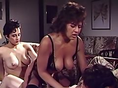 Винтажное порно с опытными сиськастыми лесбиянками