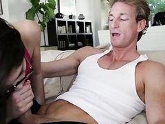 Молодая Ava Taylor трахается со своим тренером