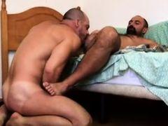Бородатые геи за работой